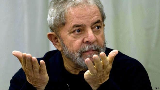 Lula e presidente do Instituto Lula são alvos de condução coercitiva (Foto: AFP)