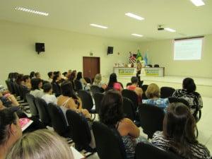 O evento foi ministrado pela coaching Flavia Kobal (Foto: Assessoria/Divulgação)