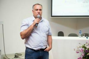 Alexander Seródio falou aos alunos de Ciências Contábeis (Foto: Divulgação)