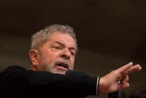 Juiz federal do DF suspende posse de Lula na Casa Civil (Foto: Andre Penner/AP)