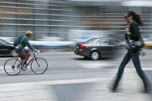 Atenção ciclistas, motoristas e pedestres!