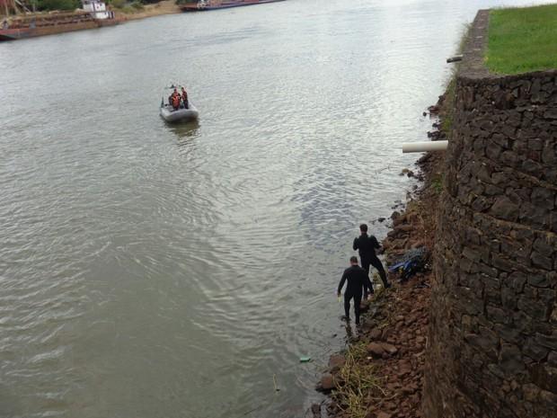 Bombeiros localizaram o corpo no Rio Tietê (Foto: G7 Notícias / Divulgação )