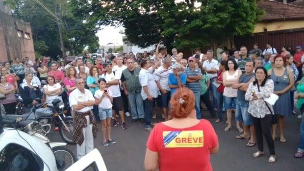 Servidores municipais de Assis entram em greve nesta quarta (Foto: José Clóvis Zambito)