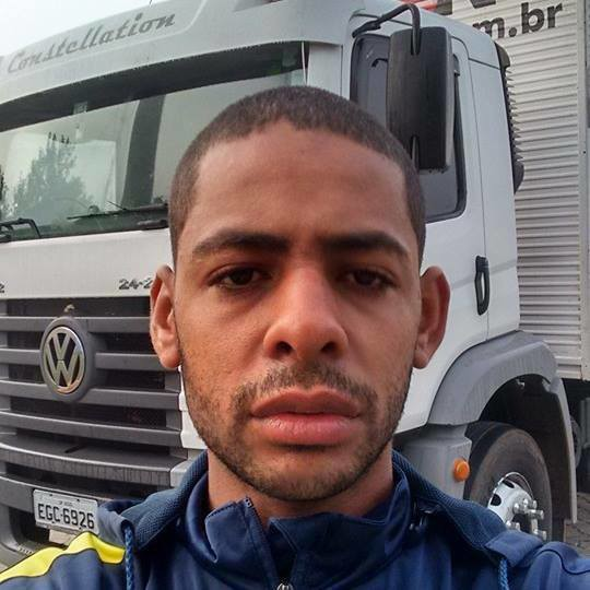 Thiago Fogaça de Oliveira tinha 28 anos, era casado e tinha um filho de três anos (Foto: Reprodução)