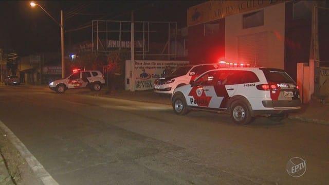 Moradora da região ouviu disparos e reclama da falta de segurança no bairro (Foto: Reprodução/EPTV)