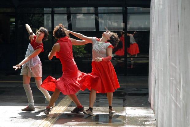Apresentação do espetáculo Puntear da Companhia Damas em Trânsito e Os Bucaneiros, ocorrida na Centro Cultural São Paulo em 25/01/2009. Foto: Pablo de Sousa/Cia de Luz