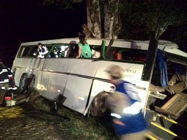 Situação ocorreu por volta da 1h45 deste sábado (9), em Mamborê (Foto: Divulgação/PRF)