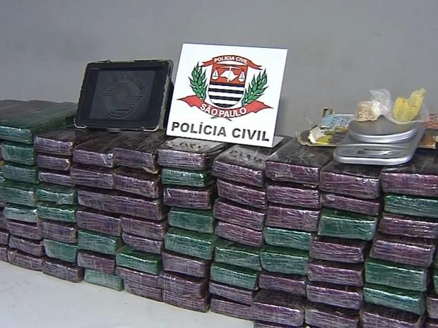 Droga foi apreendida em Assis (Foto: Reprodução / TV TEM)