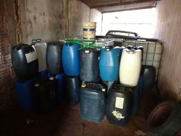 Há no Posto São Matheus cerca de 10 mil litros de combustíveis (Foto: Polícia Militar Rodoviária de Assis)