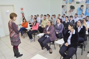 AME Assis promove palestra para profissionais da saúde