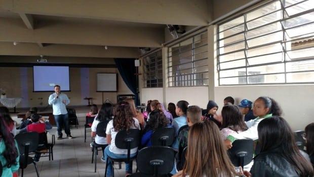 Palestra foi ministrada pelo Professor Romero Dainesi Correia (Foto: Divulgação)