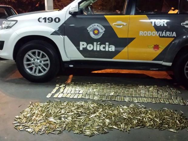 Homem receberia 5 mil pelo transporte (Foto: Polícia Rodoviária/Divulgação)