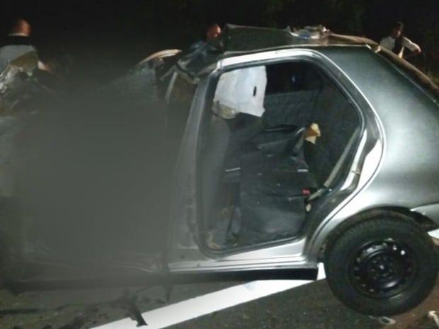 Quatro pessoas ficaram gravemente feridas após a colisão (Foto: Reprodução / TV TEM)