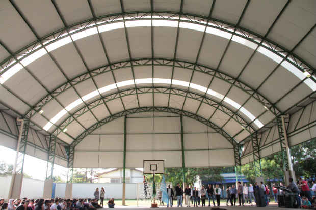 Cobertura da quadra poliesportiva da EMEF Darcy Ribeiro é inaugurada (Foto: Divulgação)