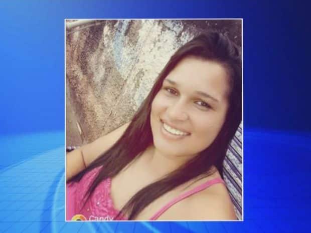 Mulher foi atingida com quatro disparos, três na cabeça (Foto: TV TEM/Reprodução)