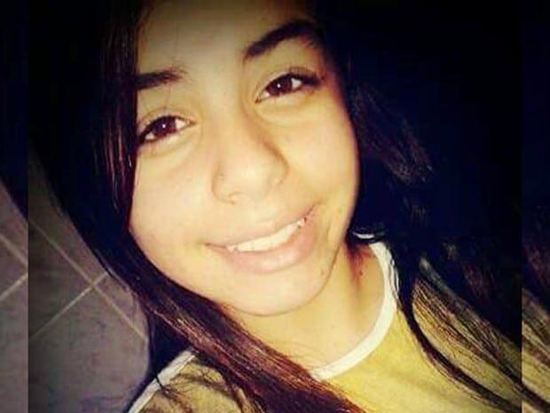 Evelyn Gonçalves, de 19 anos, foi morta a facadas em sua casa (Foto: Reprodução/Facebook)