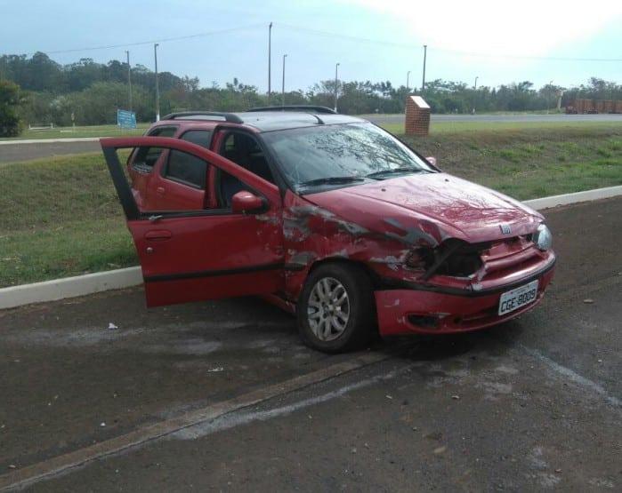 Acidente entre dois carros foi em vicinal de Maracaí (Foto: Polícia Militar/Divulgação)