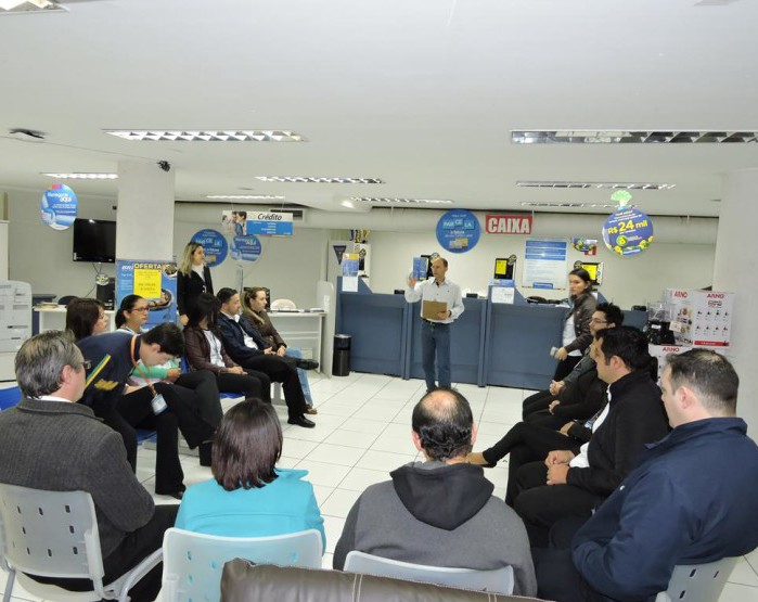 Sindicato faz reunião com comerciários de Magazine (Foto: Divulgação)