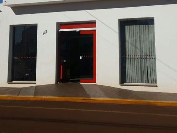 Agência bancária foi assaltada em Ibirarema (Foto: Romeu Neto/TV TEM)