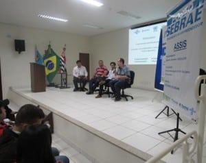 Posto SEBRAE comemora sucesso do 1° Encontro Regional de Empreendedorismo realizado no Anfiteatro da ACIA (Foto: Divulgação)