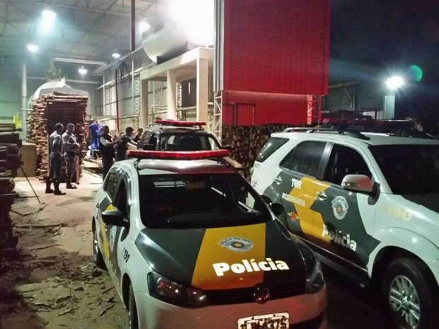 Polícia montou um esquema para o transporte e incineração da droga (Foto: Polícia Federal/ Divulgação)