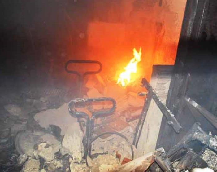 O fogo não se espalhou para outros cômodos da escola (Foto: i7 Notícias)
