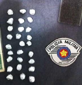 O menor relatou que iria obter o lucro de R$ 90,00 se vendesse a droga apreendida