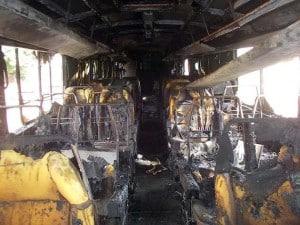 Ônibus de grupo musical é incendiado no centro de CM