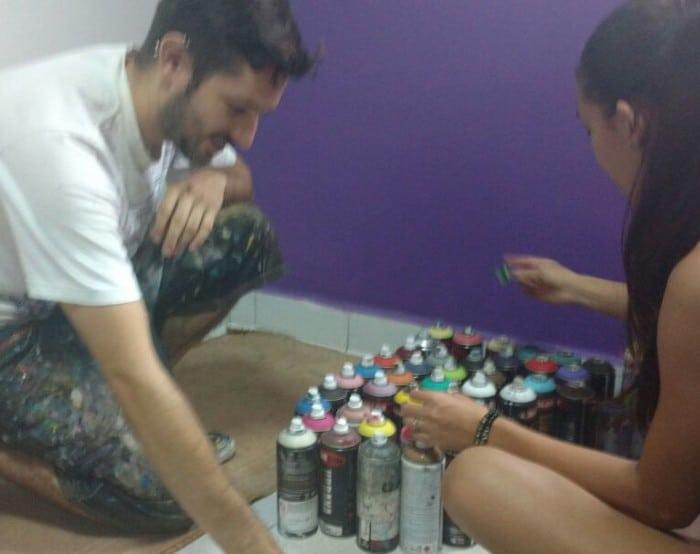 Participação de alunos na reforma da brinquedoteca da Santa Casa (Foto: Divulgação)