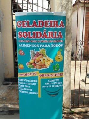 Geladeira Solidária oferece alimentos gratuitos (Foto: Lucinéia Furlan/Arquivo Pessoal)