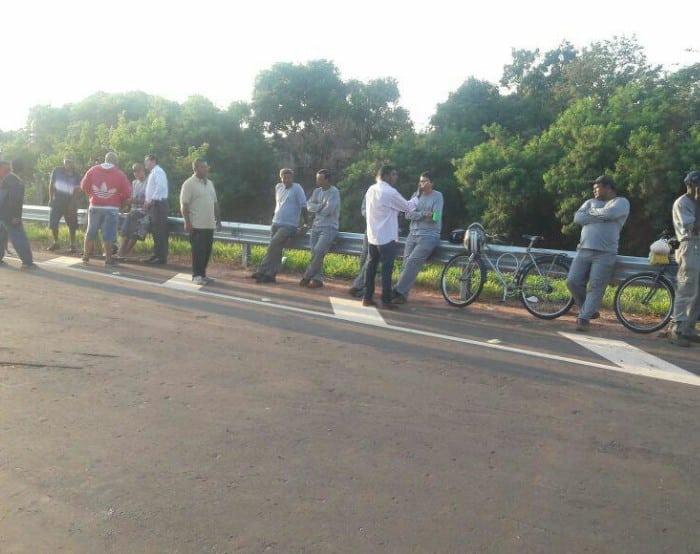 Funcionários da obra do Sest Senat de Assis entram em greve por falta de pagamento (Foto: Naji Besharah)