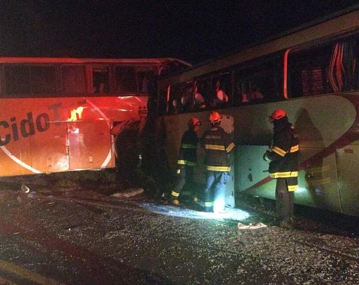 Acidente ocorreu na madrugada desta quinta-feira (16) e deixou oito mortos (Foto: Corpo de Bombeiros/Cedida)