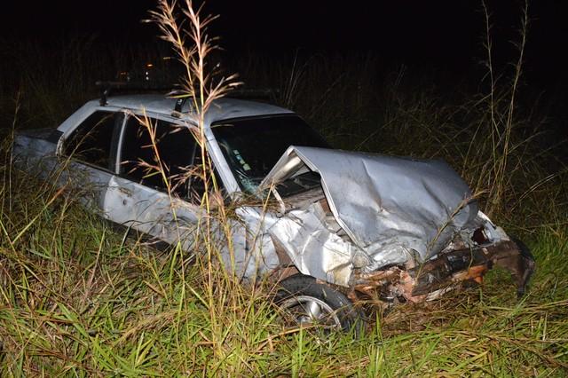 Motorista de um terceiro carro envolvido sofreu ferimentos leves (Foto: Manoel Moreno / I7 Notícias )