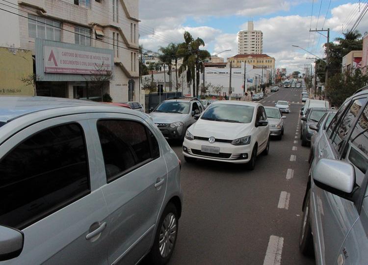 Agentes trabalham para coibir acidentes, violência e irregularidades no trânsito, diz Prefeitura