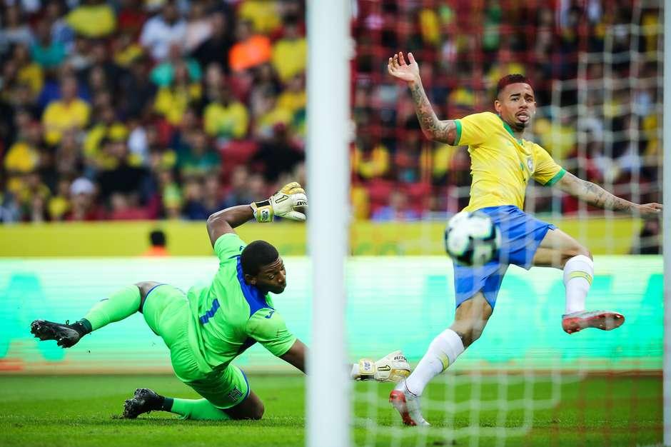 Gabriel Jesus, do Brasil, marca seu segundo gol durante amistoso contra Honduras, no Estádio Beira-Rio, em Porto Alegre (RS), na tarde deste domingo, 9 de junho de 2019 (Foto: PEDRO H. TESCH/AGIF / Estadão)