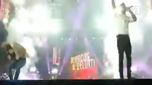 Belutti foi atingido por bomba durante show em Ourinhos — Foto: Arquivo