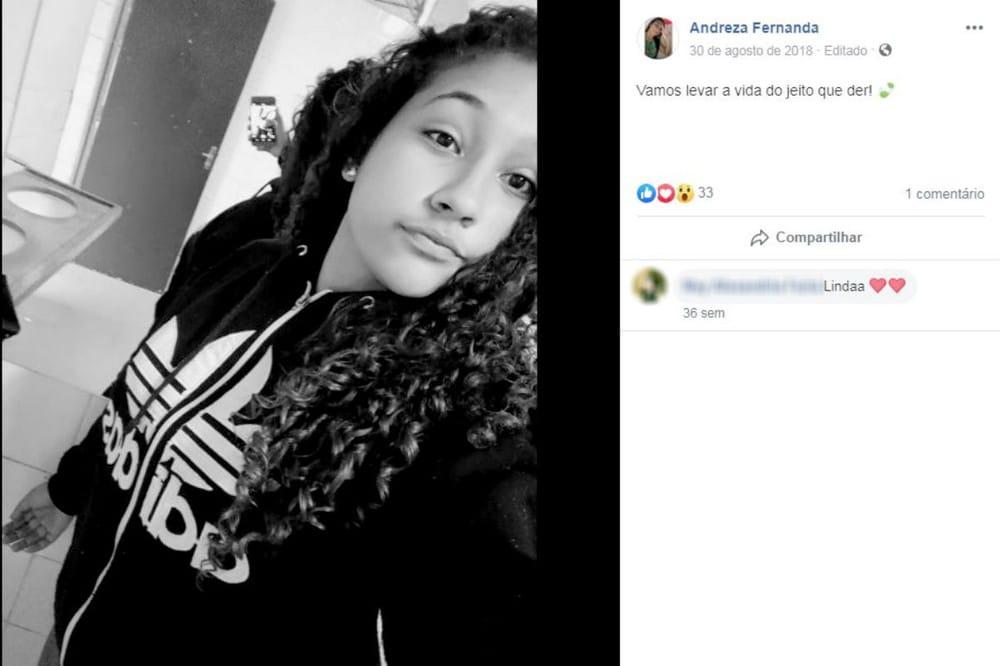 Andreza Fernanda de Carvalho tinha 16 anos e pilotava a bicicleta que envolveu-se no acidente com a carreta — Foto: Facebook/Reprodução