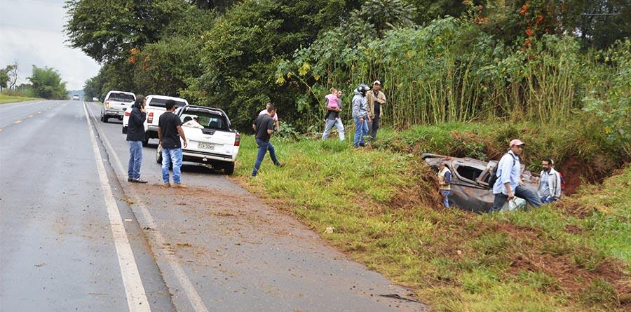 Heleno Balbino da Silva Júnior (em destaque) seguia com o seu veículo de Paraguaçu Paulista em direção à Conceição de Monte Alegre (Foto: Manoel Moreno)